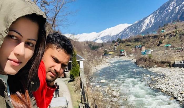 স্ত্রী-সন্তান নিয়ে ভারতের হিমাচলে মাশরাফি