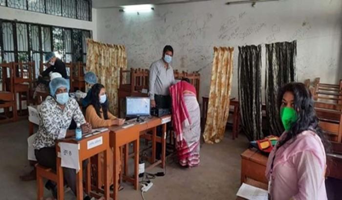ঢাকা-১৮ ও সিরাজগঞ্জ-১ আসনে ভোটগ্রহণ চলছে