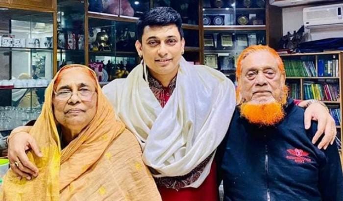 বাবা হারালেন নায়ক জায়েদ খান