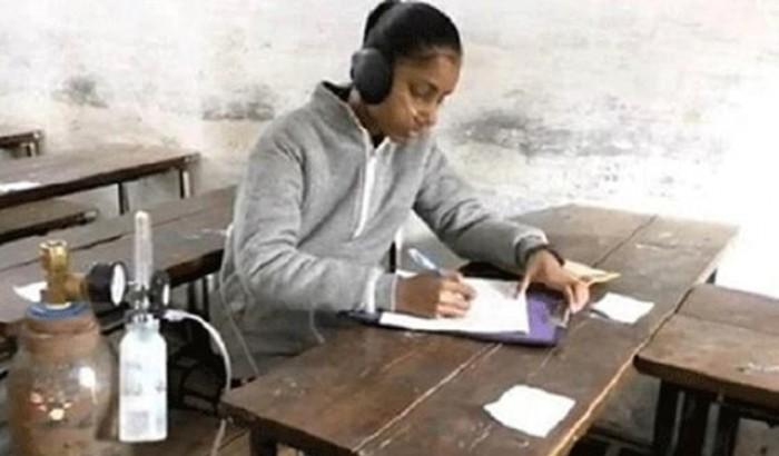 অক্সিজেন সাপোর্টে পরীক্ষা দিয়ে স্কুলছাত্রীর চমক