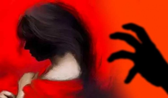 নোয়াখালীতে ঘরে ঢুকে হাত-মুখ বেঁধে স্কুলছাত্রীকে ধর্ষণ