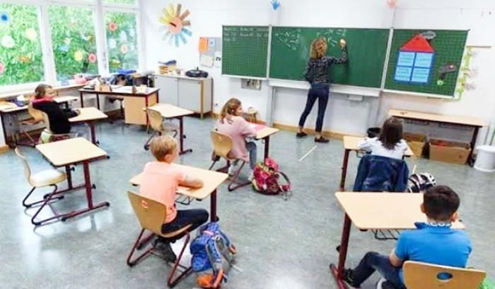 করোনা আক্রান্ত ১৩ হাজার শিক্ষক-কর্মী, তবুও স্কুল খুলছে ইতালি