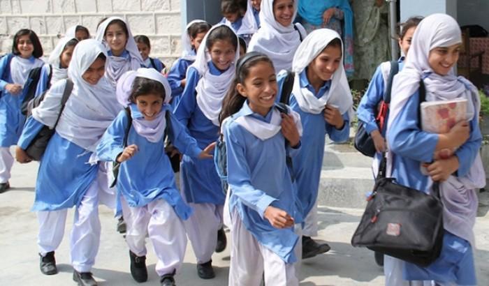 পাকিস্তানে তৃতীয় ধাপে খুলছে শিক্ষাপ্রতিষ্ঠান