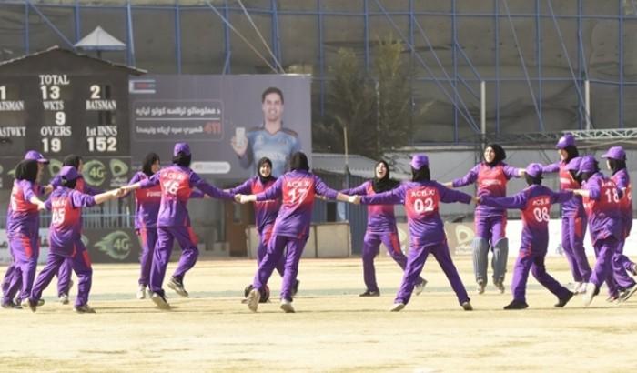 নারী ক্রিকেট নিষিদ্ধ করছে আফগানিস্তান