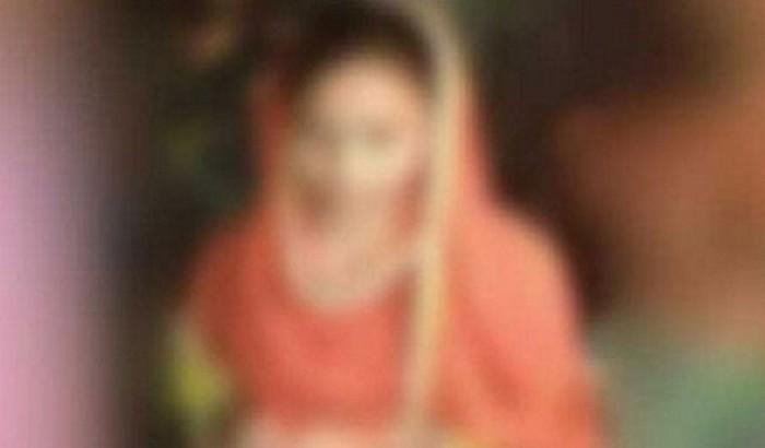 মোবাইলে প্রেম, বিয়ের আশ্বাসে ছাত্রীকে ধর্ষণ