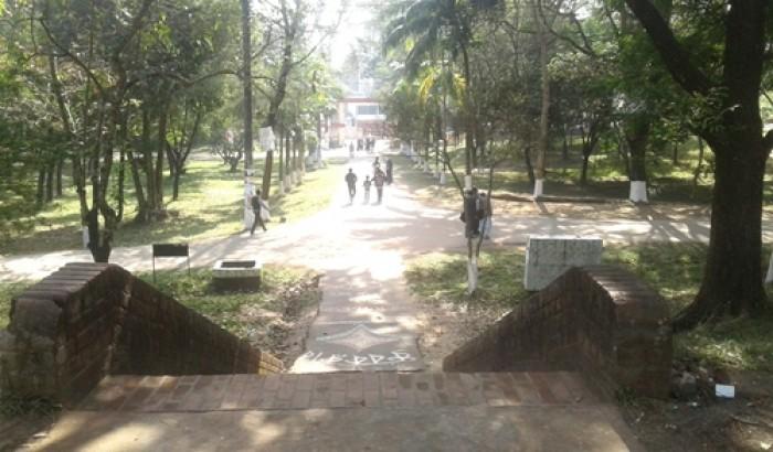 লাগামহীন ছাত্রলীগ, থমথমে এমসি কলেজ ক্যাম্পাস!